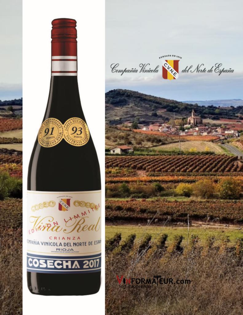 Bouteille de Vina Real, Crianza, Espagne, Rioja Alavesa, 2017 avec le vignoble en arrière-plan