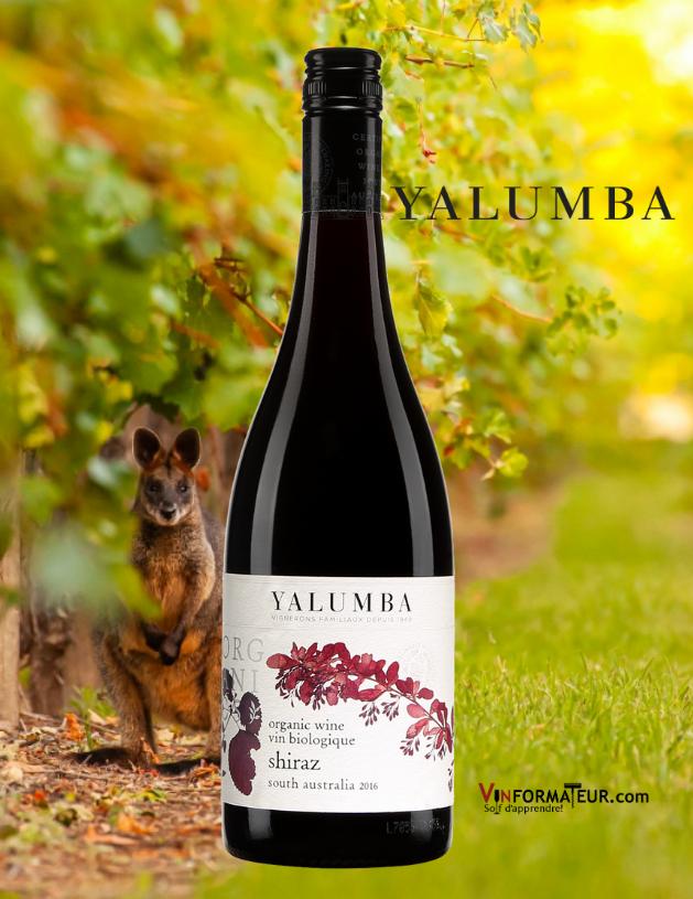 Bouteille de Yalumba, Organic Shiraz, vin certifié bio et vegan, Australie, Barossa Valley, 17,00$, 2019 avec vignoble en arrière-plan