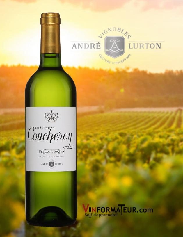 Bouteille de Château Coucheroy, Bordeaux, Pessac-Léognan, Vignobles André Lurton, vin blanc, 2018 avec vignobles en arrière-plan