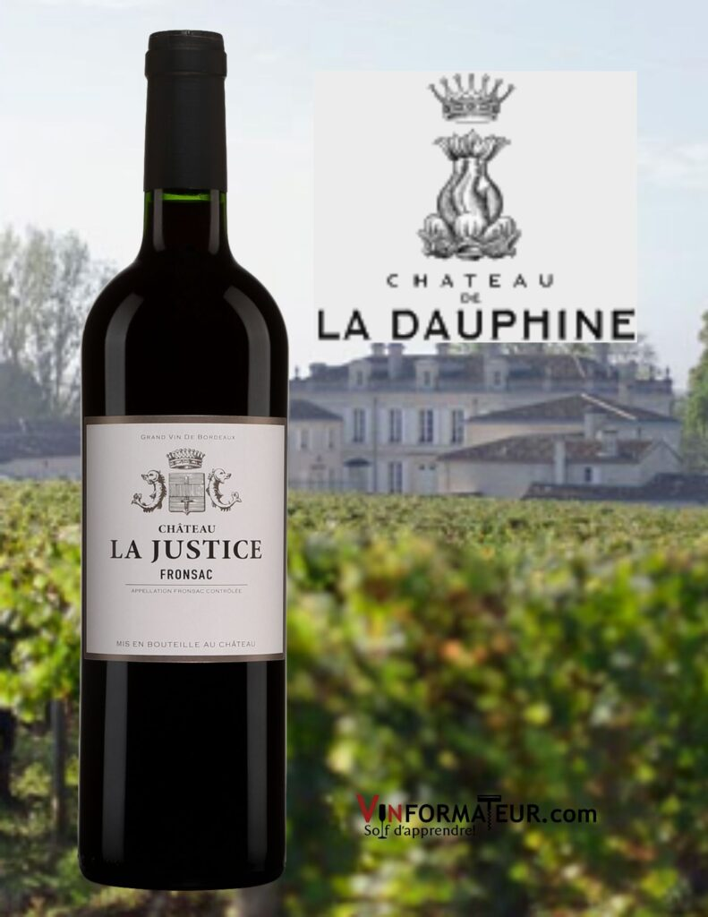 Bouteille de Château de la Dauphine, Château la Justice, Fronsac, vin rouge bio, 2016 avec le château en arrière-plan.