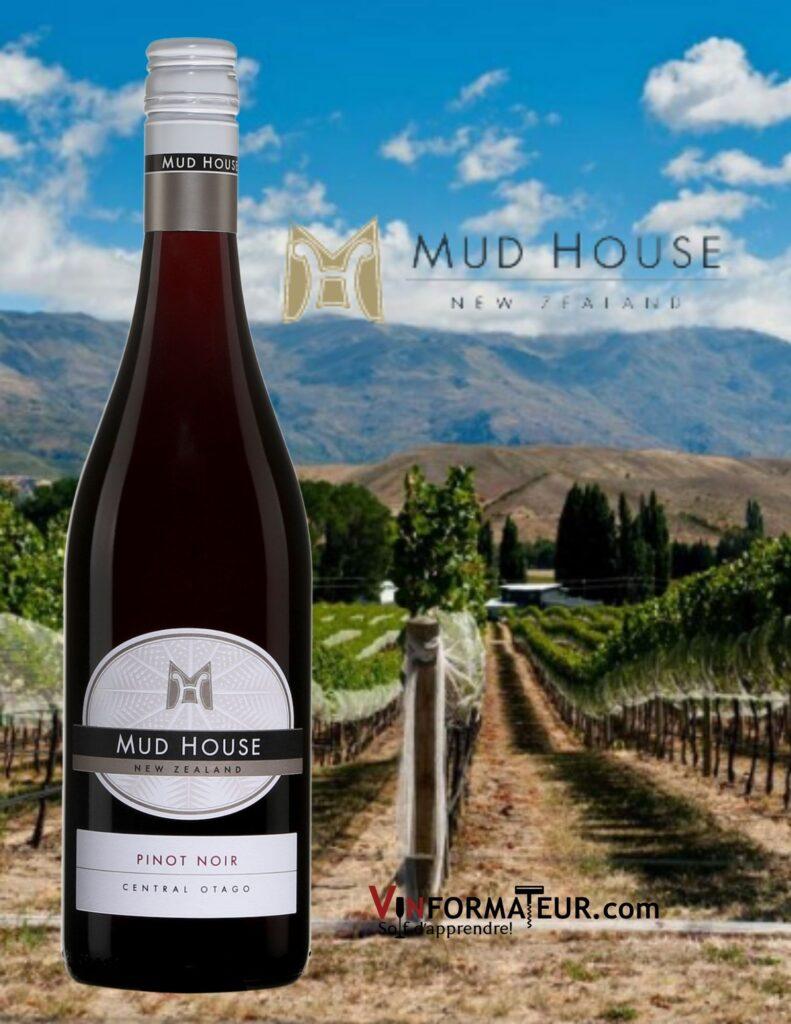 Bouteille de Pinot Noir, Mud House, Nouvelle-Zélande, Central Otago, 2019 et vignoble